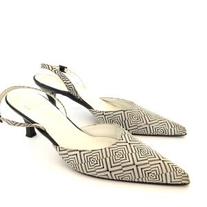 STUART WEITZMAN LEATHER SLINGBACK KITTEN HEEL SZ 8